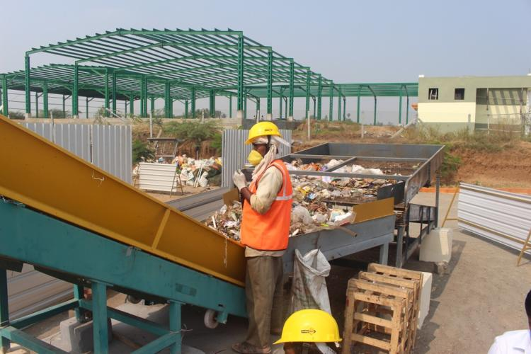 Garbage Loading through Conveyor